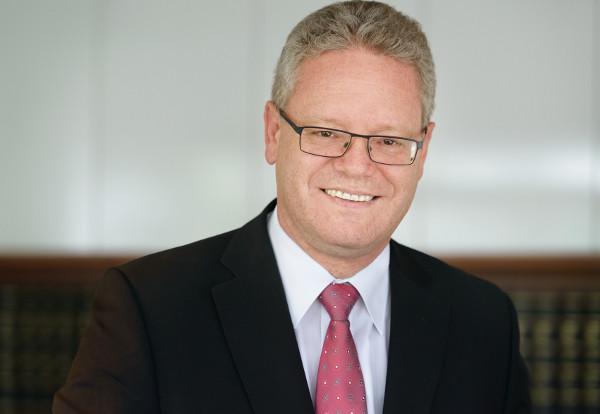 Notar Bernd Benz